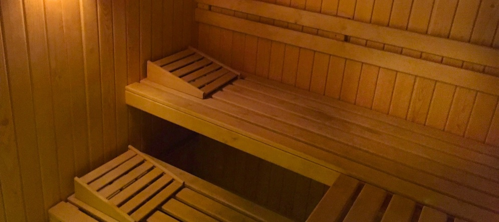 Private sauna for 1 to 3 persons